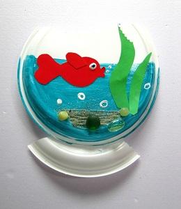 Поделка из одноразовой тарелки-рыбка